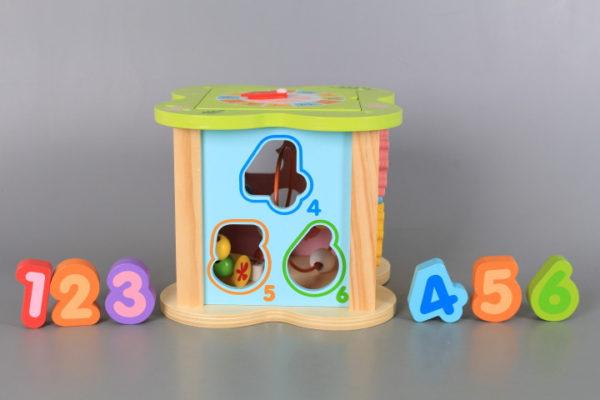 дървен занимателен куб