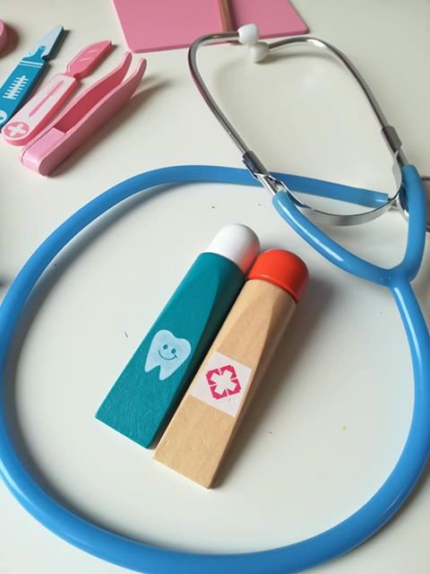 Дървен комплект 2 в 1 лекар и зъболекар