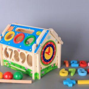 Дървена мултифункционална къщичкаДървена мултифункционална къщичка
